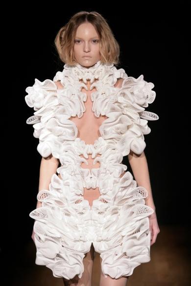 Iris Van Herpen couture Escapism dre.ss